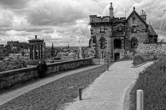 Edinburgh / Calton Hill /  Old Observatory House / Dugald Stewart Monument (Pantchoa) Tags: édimbourg ecosse caltonhille oldobservatoryhouse dugaldstewartmonument nuages ancien observatoire maison architecture noiretblanc bw blancoynegro monochrome trix400 perspective ere