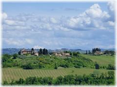 Die wunderschöne Toskana / Beautiful Tuscany (ursula.valtiner) Tags: rundwanderung circularhike sangimignano toskana toscana tuscany italien italy landschaft landscape