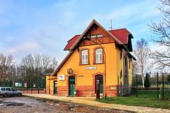 Alter Bahnhof Klütz (Meckl.) ... HFF ! (Mecklenburg-Foto) Tags: eisenbahn bahnhof empfangsgebäude zaun hff klütz mecklenburg