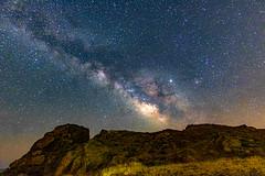 The Milky Way in the Escullos.....,La Vía Láctea en los Escullos (Joerg Kaftan) Tags: via láctea noche estrellas montaña playa milkyway night stars mountain beach