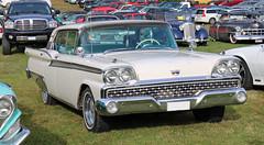1959 Ford Galaxie (crusaderstgeorge) Tags: crusaderstgeorge classiccars cars americancars americanclassiccars americancarsinsweden 1959 ford galaxie 1959fordgalaxie whitecars högbo sweden sverige cool veterancar