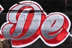 Détail de De (balese13) Tags: 16300 bouchesdurhône d5500 nikonpassion paca provence tamronaf16300mmf3563dillvcpzdmacrob016 yourbestoftoday balese black graffiti marignane mur nikon nikonistes noir peinture red rouge sud tag tamron 500v20f 1000v40f