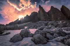Dolomiten - Tre Cime di Lavaredo (Günter Nietert) Tags: dolomiten italien dreizinnentrecimedilavaredosüdtirol pragserdolomiten naturparkfanessennesprags sunrise dolomites mountains alpes italy reflection pustertal southtirol