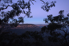 Night falls over the Blue Mountains (Jutta Sund) Tags: sihouette sunset mountains landscape sandstone rock trees night australia bluemountains frame
