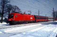1016 048  Redl - Zipf  09.02.05 (w. + h. brutzer) Tags: redlzipf eisenbahn eisenbahnen train trains österreich austria elok eloks taurus railway lokomotive locomotive zug öbb 1016 webru analog nikon