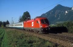 1016 048  Oberaudorf  05.10.04 (w. + h. brutzer) Tags: oberaudorf eisenbahn eisenbahnen train trains österreich austria elok eloks taurus railway lokomotive locomotive zug öbb 1016 webru analog nikon
