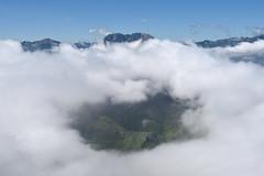 Itsas azpian (Paulo Etxeberria) Tags: ponga pierzu tiatordos maciédome asturias asturies hodeiitsasoa mardenubes seaofclouds merdenuages canonikos