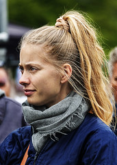 Portrait (D80_534293) (Itzick) Tags: denmark copenhagen candid color colorportrait blonde streetphotography shades face facialexpression youngwoman d800 portrait itzick