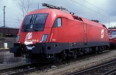 1016 050  München - Nord  24.03.02 (w. + h. brutzer) Tags: münchennord eisenbahn eisenbahnen train trains österreich austria elok eloks taurus railway lokomotive locomotive zug öbb 1016 webru analog nikon