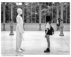 School Play (Charles Ray) (Ignacio Ferre) Tags: lumix panasonic bw monocromo monocromático monochrome blancoynegro blackwhite charlesray estatua statue art arte madrid españa spain exhibición exhibition exposición cuatromoldes schoolplay