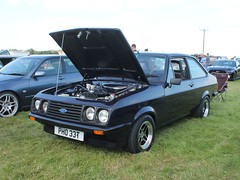 PHO 33T - 1979 Ford Escort RS2000 Custom (quicksilver coaches) Tags: ford escort rs2000 pho33t