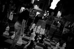 Voyage en Italie 2018   1824 (Distagon12) Tags: rapallo night nuit nightphoto nacht noche notte citybynight city people portrait street streetphoto sonya7rii summilux35asph strada liguria ligurie italy italie italia voyage travel wideaperture basselumière leica