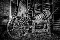 Treasures of the Past (PNW-Photography) Tags: abandoned rusty dusty old olden farm farming rural country palouse washington barn
