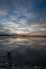 Lever de soleil 05 julllet 2019 (jackbeau) Tags: 2019 heurebleue juillet lacmiroir leverdesoleil miroir nuages nuagesoranges osisko reflets