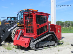 LamTrac LTR 6140T Tracked Loader/Mulcher (Gerald (Wayne) Prout) Tags: lamtracltr6140ttrackedloadermulcher lamtrac ltr 6140t tracked loadermulcher readyquipsalesandservicesltd riversidedrive mountjoytownship cityoftimmins northeasternontario northernontario ontario canada prout geraldwayneprout canon canonpowershotsx60hs powershot sx60 hs digital camera photographed photography vehicle equipment machine machinery loader mulcher forestry readyquip riverside drive mountjoy township city timmins northeastern northern