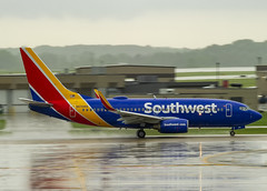 Southwest Airlines Boeing 737-7H4(WL) N474WN (MIDEXJET (Thank you for over 2 million views!)) Tags: milwaukee milwaukeewisconsin generalmitchellinternationalairport milwaukeemitchellinternationalairport kmke mke gmia flymke southwestairlinesboeing7377h4wln474wn southwestairlines boeing7377h4wl n474wn boeing boeing7377h4 boeing737700 boeing737 737 7377h4