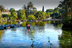 Al Parc de la Ciutadella (Fnikos) Tags: parc park parque parco tree nature naturaleza natura natur sky color colour colores colours colors cielo water boat people architecture building outside outdoor