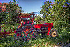 Räder (Janos Kertesz) Tags: tractor farming rural field agriculture farm machine wheel red machinery vehicle industry old work countryside bicycle fahrrad