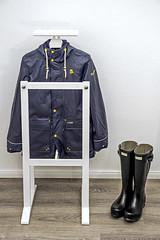 Hunter boots & Schmuddelwedda rain jacket (Anton Stiefel) Tags: gummistiefel regenjacke hunter boots hunterboots gummi norris field schwarz black blau blue rubber rubberboots schmuddelwedda rainwear rain jacket coat