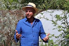 A Swift Take (crusader752) Tags: joeswift hamptoncourt flowershow personality tv television gardener expert