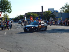 DSCN8125 (mestes76) Tags: 080218 duluth minnesota parades spiritvalleydays spiritvalleydaysparade people strangers police dpd duluthpolicedepartment policevehicles
