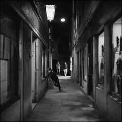 Venice (Koprek) Tags: rolleiflex28f film analog venice ilfordhp5 italy 6x6 120 medium 1600 nightlight nightwalk night scene may 2019 streetphotography stphotographia stphotography