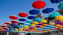 Pontivy (Dicksy93) Tags: img5923 parapluie décoration couleur color extérieur outdoor pontivy morbihan 56 bretagne brittany breizh bzh france dicksy93 catherine olivier canon eos 7d efs1755mm f28 is usm