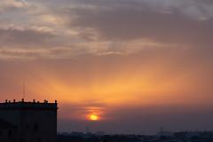 Amanecer en Valencia 11 (dorieo21) Tags: sunrise amanecer aurore nube nuage cloud sky sun sol soleil cielo ciel torre tour tower