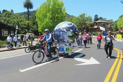 Earth Bike at the Fourth of July Parade (fabola) Tags: art bike clean activist artfloat life green electric design community earth marin politics parade fabrice environment climate larkspur cortemadera ebike electricbike cleantransportation newwheel climateaction greenchange earthbike makerart climateartexhibit transportation sustainable sustainability