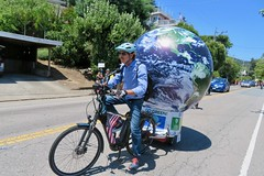 Earth Bike at the Fourth of July Parade (fabola) Tags: art bike clean climate activist cleantransportation artfloat life green electric design community earth marin politics parade fabrice environment sustainability larkspur cortemadera ebike electricbike newwheel climateaction greenchange earthbike makerart climateartexhibit transportation sustainable
