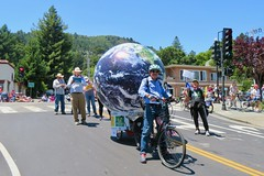 Earth Bike at the Fourth of July Parade (fabola) Tags: art bike community clean climate activist cortemadera cleantransportation climateaction artfloat climateartexhibit life green electric design earth marin politics parade fabrice transportation environment sustainable sustainability larkspur ebike electricbike newwheel greenchange earthbike makerart