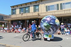 Earth Bike at the Fourth of July Parade (fabola) Tags: art bike clean climate activist cleantransportation artfloat life green electric design community earth marin politics parade fabrice environment larkspur cortemadera ebike electricbike newwheel climateaction greenchange earthbike makerart climateartexhibit transportation sustainable sustainability