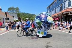 Earth Bike at the Fourth of July Parade (fabola) Tags: art bike clean activist cleantransportation artfloat life green electric design community earth marin politics parade fabrice transportation environment climate sustainable sustainability larkspur cortemadera ebike electricbike newwheel climateaction greenchange earthbike makerart climateartexhibit