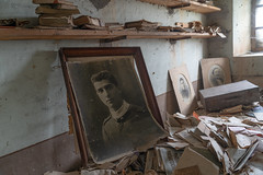 Forgotten portrait, forgotten story (NأT) Tags: abandoned abandon abandonné abandonnée abbandonato abbandonata ancien ancienne alone architecture zuiko maison home house casa villa explorationurbaine exploration explore exploring empty explo explored discover past history story stories portrait famille family rotten trespassing urbex urban urbain urbaine urbanexploration interior inexplore inside old passé photography decay decaying derelict dust decayed dusty forgotten forbidden lost light memories day nobody neglected building verlassen creepy chateau château castle book books read time trip