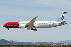 LN-LNO_20190603_BCN_51160_M (Black Labrador13) Tags: lnlno boeing 787 b787 7879 dreamliner norwegian air shuttle roald dahl bcn lebl avion plane aircraft vliegtuig airliners civil