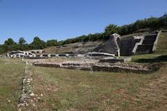 Amiternum_Teatro_Anfiteatro_Vestigia_03