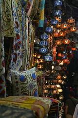 (busemelissaaltan) Tags: lumière tapis istanbul décoration kapalıçarşı couleurs dessins lampes coussins