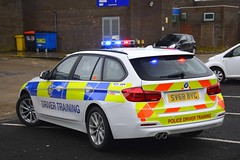 SV68 BYC (S11 AUN) Tags: durham constabulary bmw 330d xdrive touring police advanced driver training drivingschool traffic car rpu roads policing unit 999 emergency vehicle sv68byc