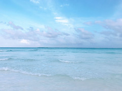 vacation 1080702 (#Esther) Tags: 💕 vacation sky cloudy cloud summer holiday happy romantic swim swimming sea ocean color sun 安靜 melancholy light poetic mood moody moment blue