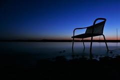 WARTEN (flori schilcher) Tags: stuhl ammersee schilcher bank see wasser abendrot sonnenuntergang sunrise