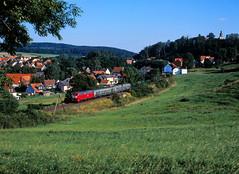 Dorfbahn mit Silberlingen (trainspotter64) Tags: eisenbahn zug train treno tren trein railroad railway spoorwegen vlak bahn db lokomotive lok diesellok br216 hessen vogelsberg vogelsbergbahn sommer