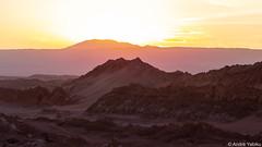 desert layers - Atacama, Chile (Andre Yabiku) Tags: atacama valedelaluna southamerica chile andreyabiku yabiku desert sunset