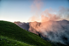 Rauch im Sonnenuntergang (stefangruber82) Tags: alps alpen tirol tyrol smoke sunset sonnenuntergang berge mountains