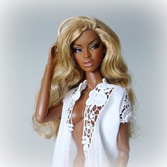 Good morning! 🌞 (Deejay Bafaroy) Tags: facesofadele adele makeda integrity toys fashion royalty thefacesofadele doll puppe fr black portrait porträt blonde blond white weiss barbie