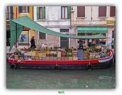 (régisa) Tags: venezia venise venice italy italie italia pontedeipugni dorsoduro barge boat fruit vegetables greengrocer stall canal