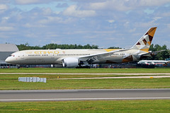 A6-BNA Boeing 787-9 Etihad Airways MAN 06JUL19 (Ken Fielding) Tags: a6bna boeing b7879 etihadairways aircraft airplane airliner jet jetliner dreamliner widebody aviation