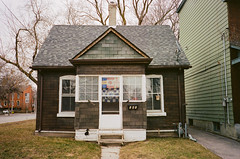 Boulton St. and Dundas St. E., Toronto, ON. March 30, 2018. (edwardlepine) Tags: toronto ontario canada barbados chelsea uk england flags house tiny brown green 2018 spring street film analog yashica 35mm t4 flickr