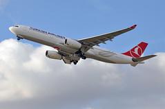 'TK4PT' (TK1972) LHR-IST (A380spotter) Tags: takeoff departure climb climbout gearinmotion gim retraction airbus a330 300 tcloa ja330a turkishairlines türkhavayollarıao thy tk tk4pt tk1972 lhrist runway27l 27l london heathrow egll lhr