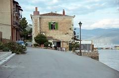 Γαλαξίδι, το Καφέ-Εστιατόριο ''Λιοτρίβι'' (Galaxidi, Liotrivi Cafe-Restaurant). (Giannis Giannakitsas) Tags: greece grece griechenland γαλαξιδι galaxidi λιοτριβι liotrivi