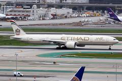 Etihad Airways | Boeing 777-300ER | A6-ETK | Los Angeles International (Dennis HKG) Tags: aircraft airplane airport plane planespotting canon 7d 100400 losangeles klax lax etihadairways etihad ey etd uae boeing 777 777300 boeing777 boeing777300 777300er boeing777300er a6etk